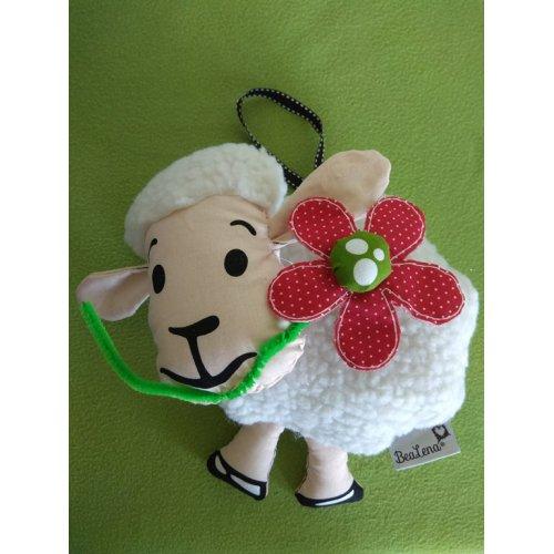 Pásla ovečky v zeleném háječku